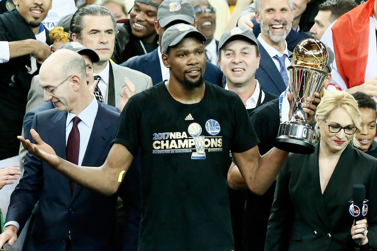 Kevin Durant : «Nous l'avons fait, je te l'avais promis !»