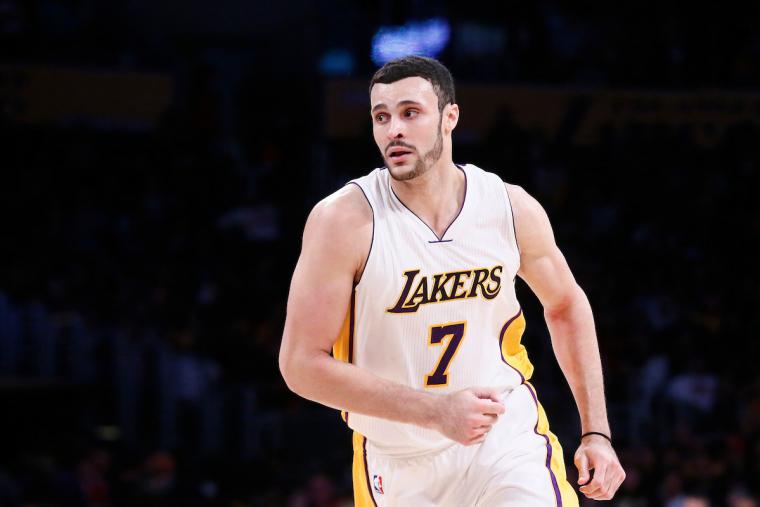 Les Lakers prêts à trader Larry Nance et Jordan Clarkson
