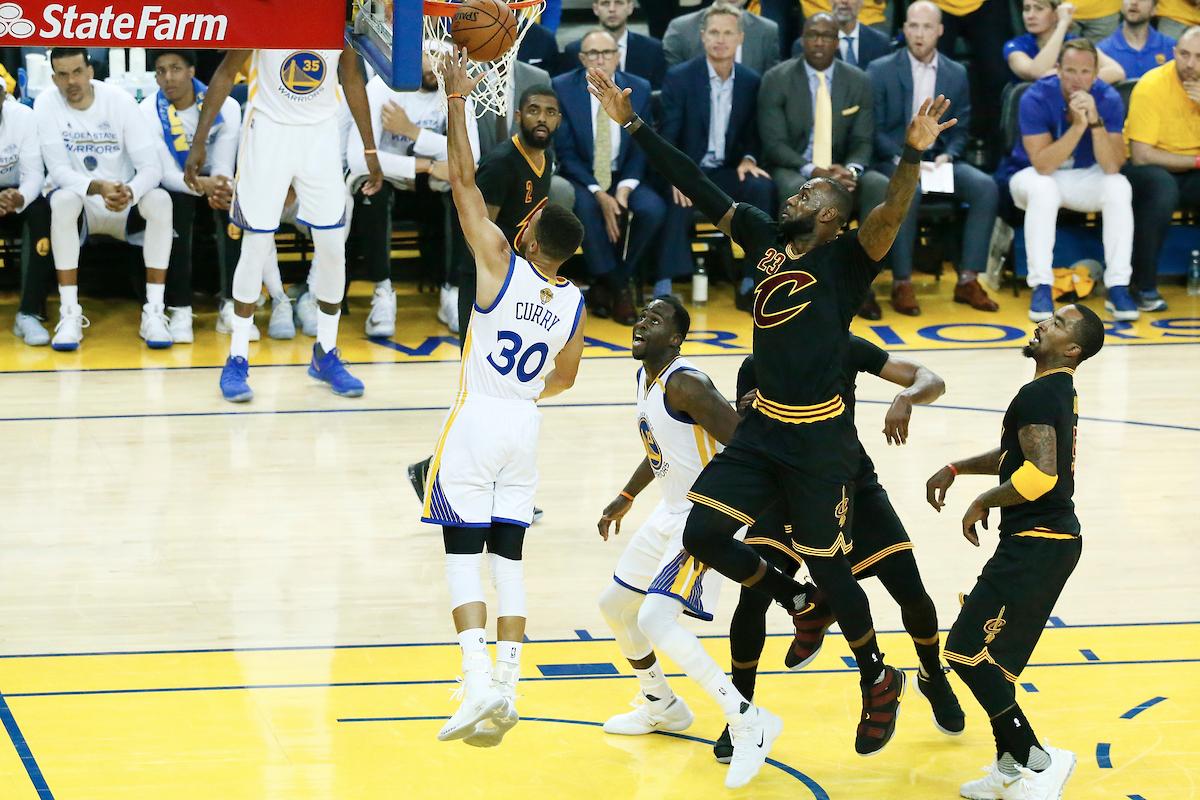 Double champion NBA, Stephen Curry rejoint un club très fermé !