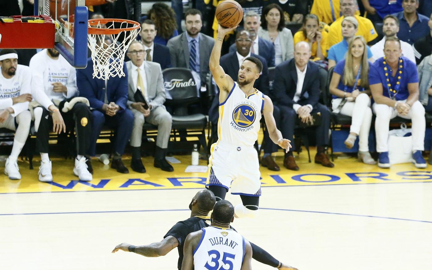 Kevin Durant et Stephen Curry trop forts pour les Cavs