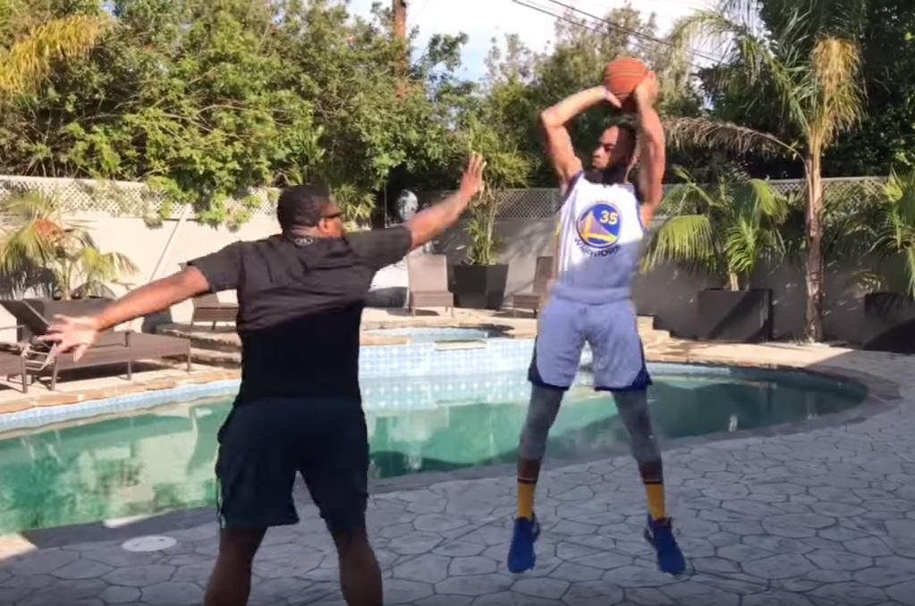 B-Dot, l'imitateur des stars NBA, va jouer en pro !