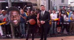 Kevin Hart fait gagner des cadeaux au public de Jimmy Kimmel grâce à un tir à 3 pts