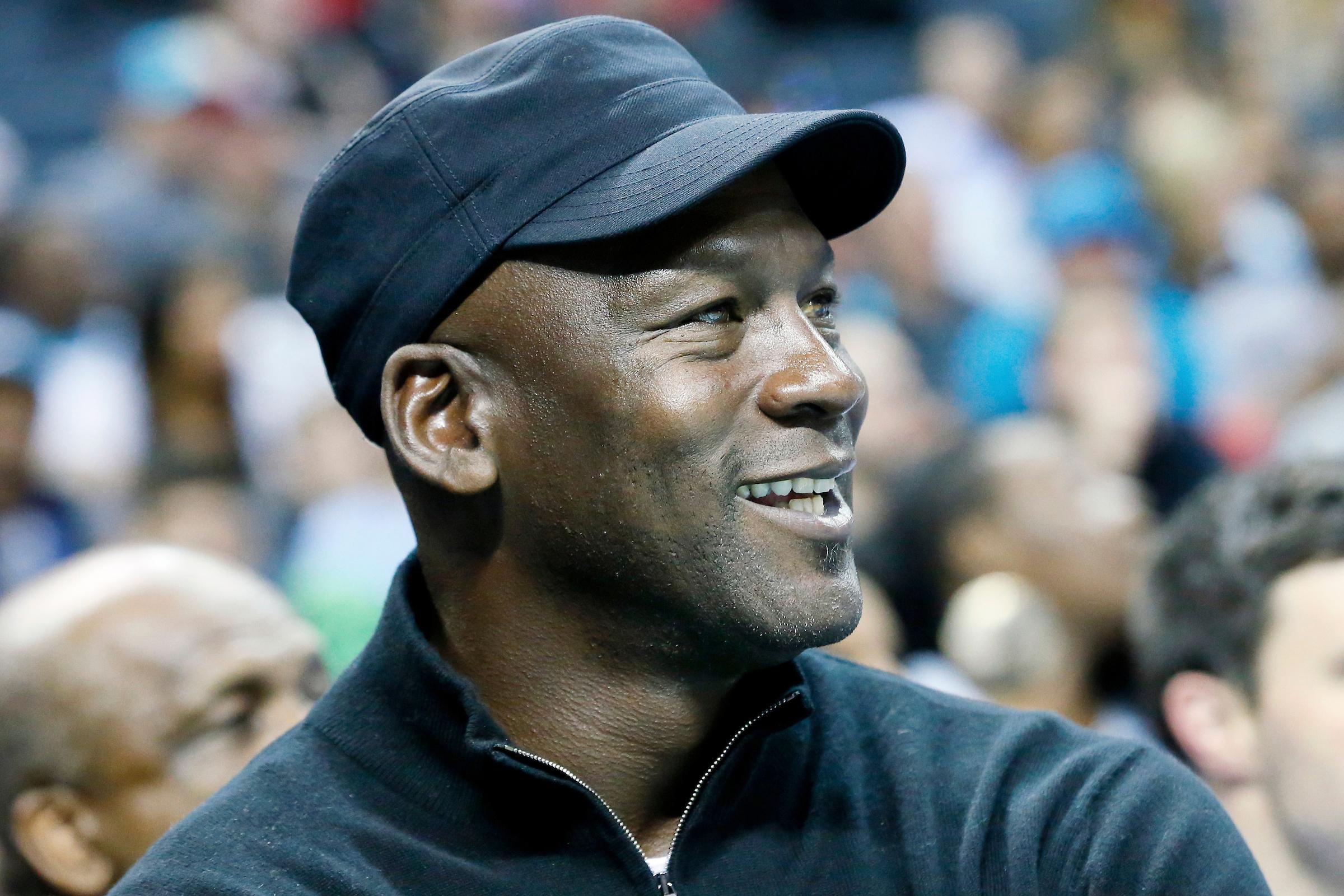 Cité par Donald Trump, Michael Jordan soutient LeBron James