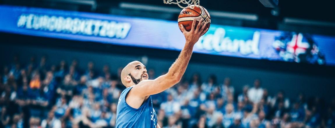 Pour son entrée, la Grèce dispose de l'Islande (+29)