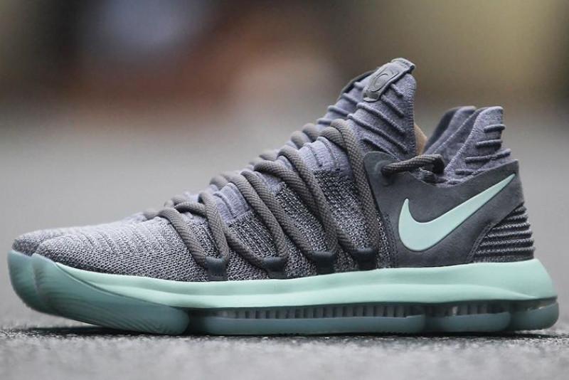 Nike KD 10 Igloo.