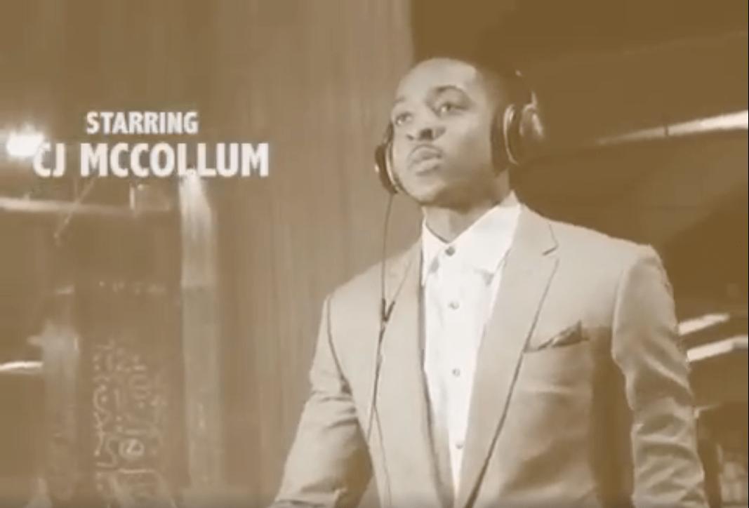 McCollum se moque de Matthews dans une excellente parodie