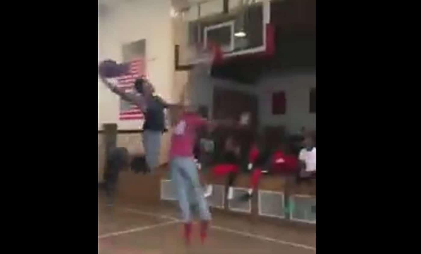 Le dunk le plus sale que vous verrez aujourd'hui