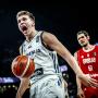 Cassage de chevilles, déchirage d'adducteurs, buzzer full-court : soirée normale pour Luka Doncic