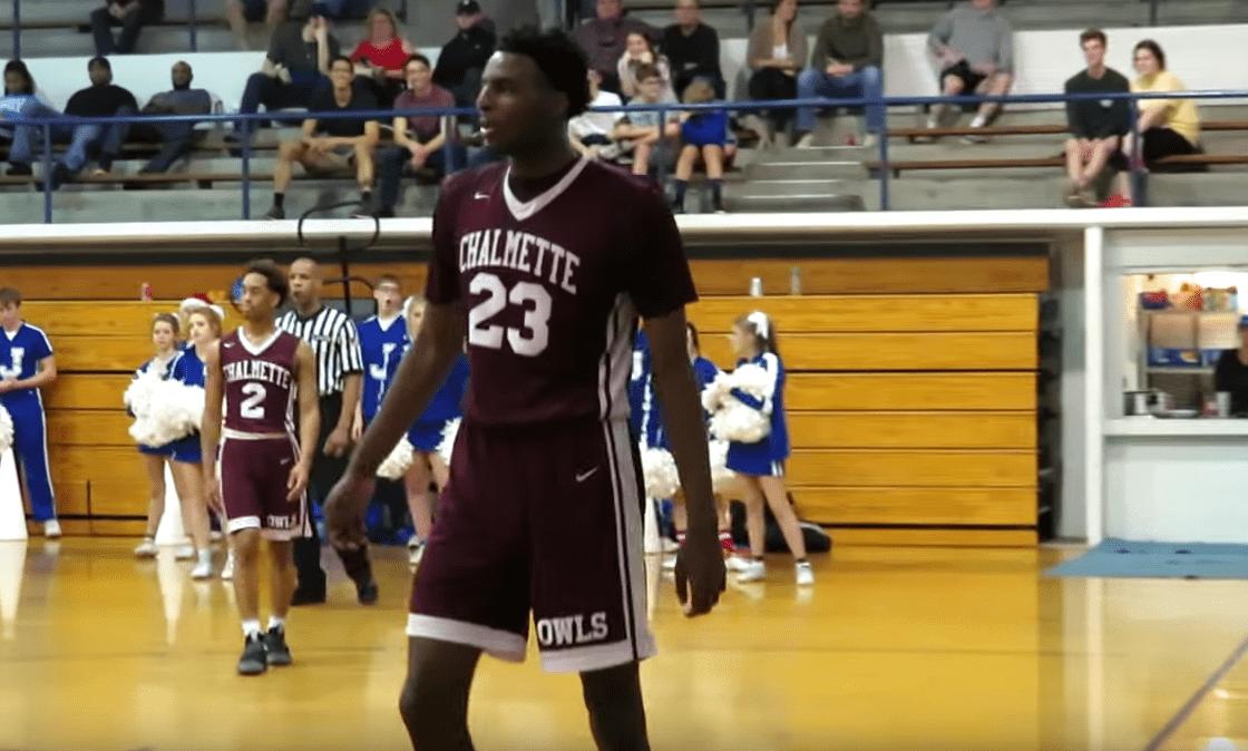 Le gros prospect Mitchell Robinson renonce à la NCAA