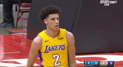 Le premier panier de Lonzo Ball avec les Lakers : un 3-pts !