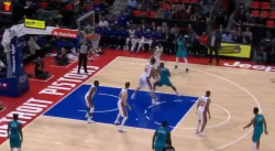 Fou : Dwight Howard se prend pour Russell Westbrook !