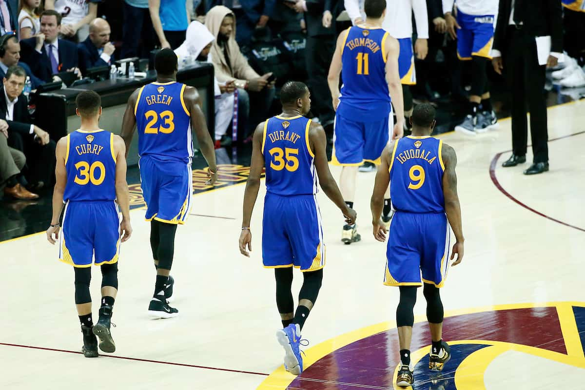Un nouveau record NBA en playoffs pour les Warriors