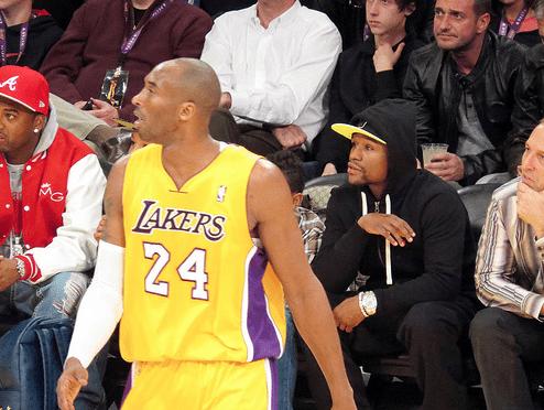 Floyd Mayweather met un million sur la table pour affronter… Kobe Bryant