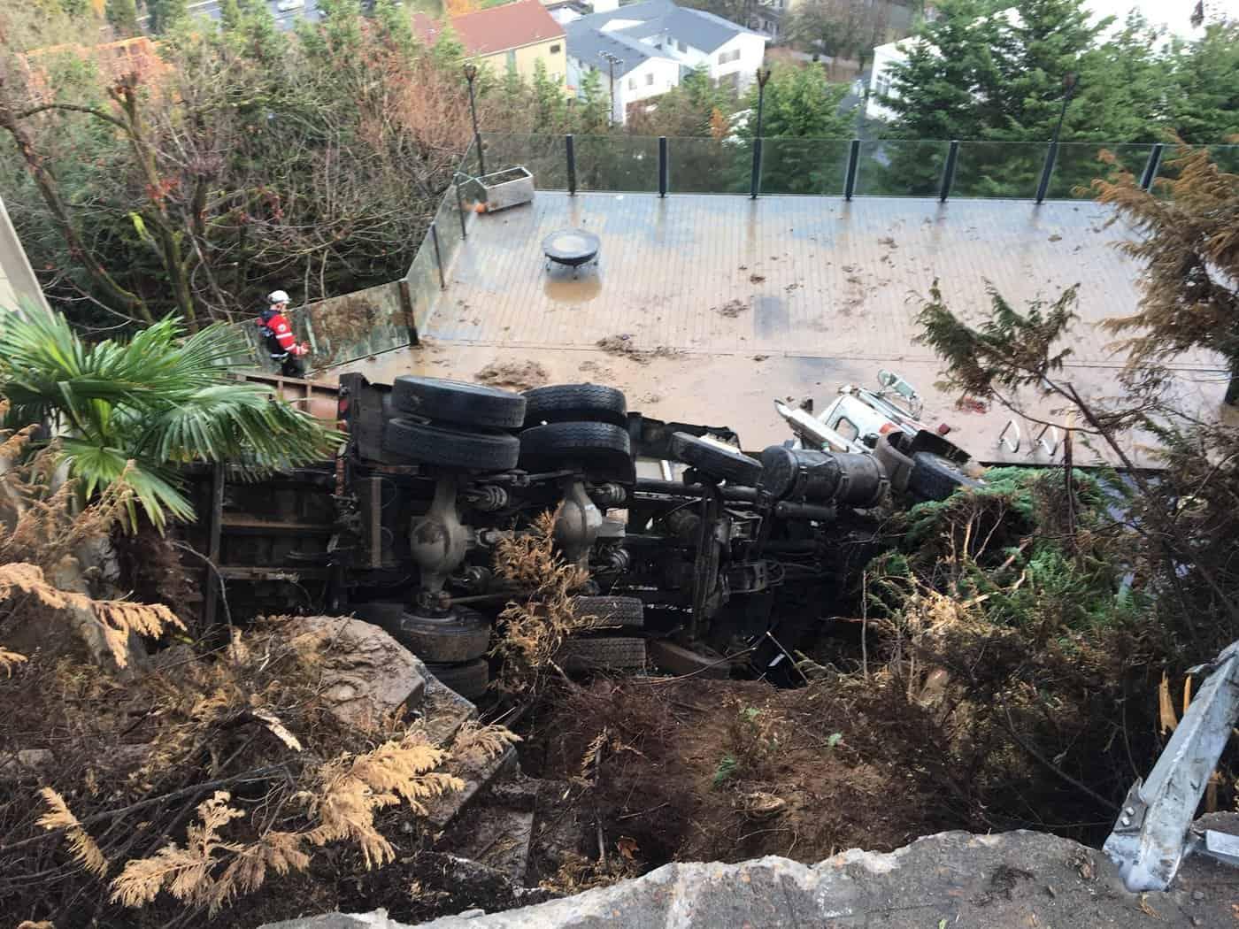 Un camion s'est écrasé dans la piscine d'Evan Turner
