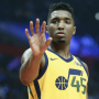 Donovan Mitchell tape un home-run d'entrée lors d'un match caritatif