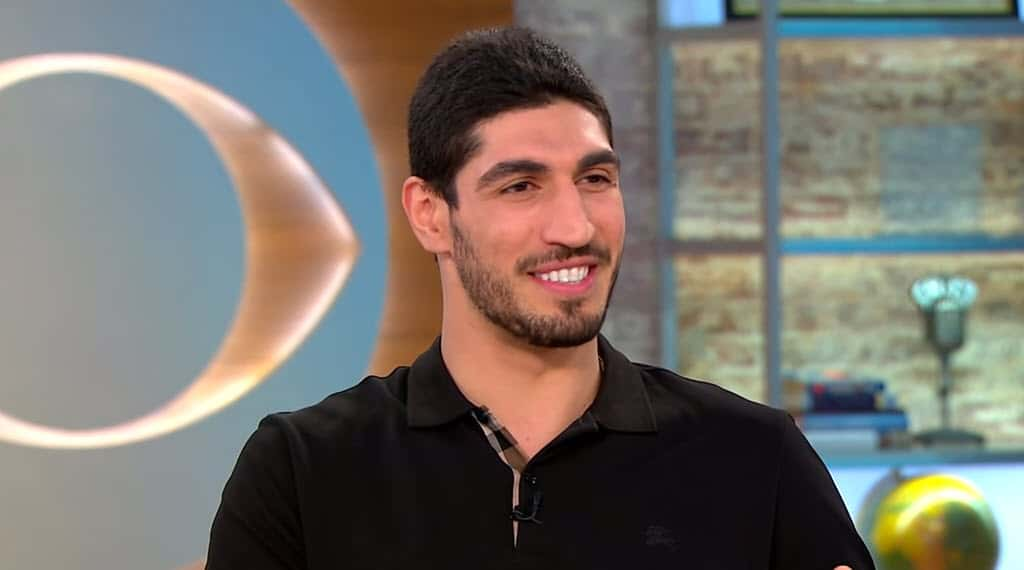 Quand Enes Kanter drague LeBron James sur Twitter…