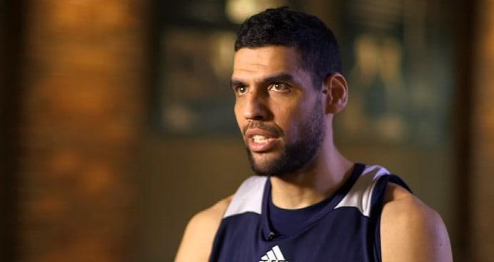 Insulté par Jordan Bell, Salah Mejri allume sévèrement le rookie des Warriors