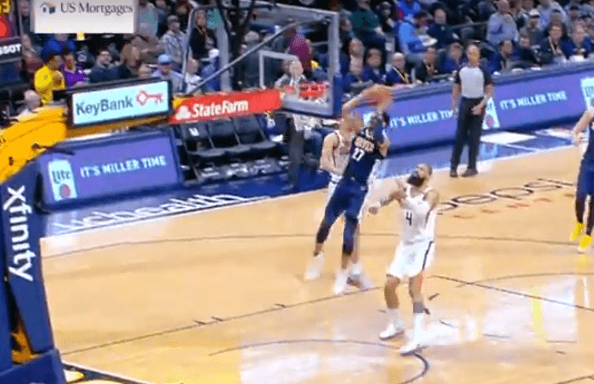 Top 10 : le dunk de Jamal Murray sur la tête de Devin Booker !