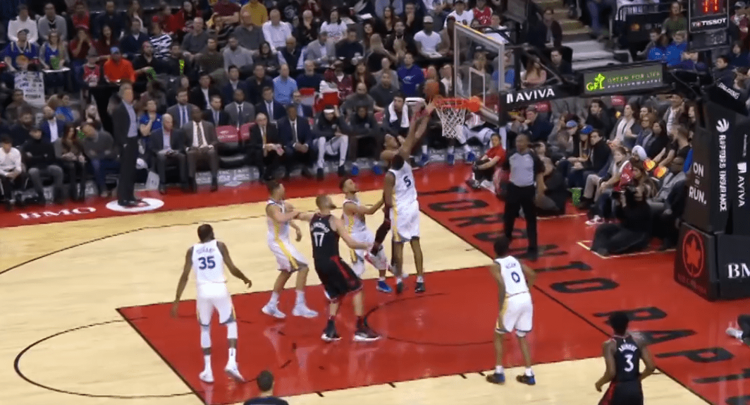 Top 5 : DeMar DeRozan s'amuse avec les Warriors