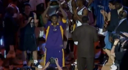Quand Kobe Bryant était élu MVP du All-Star Game… sous les sifflets