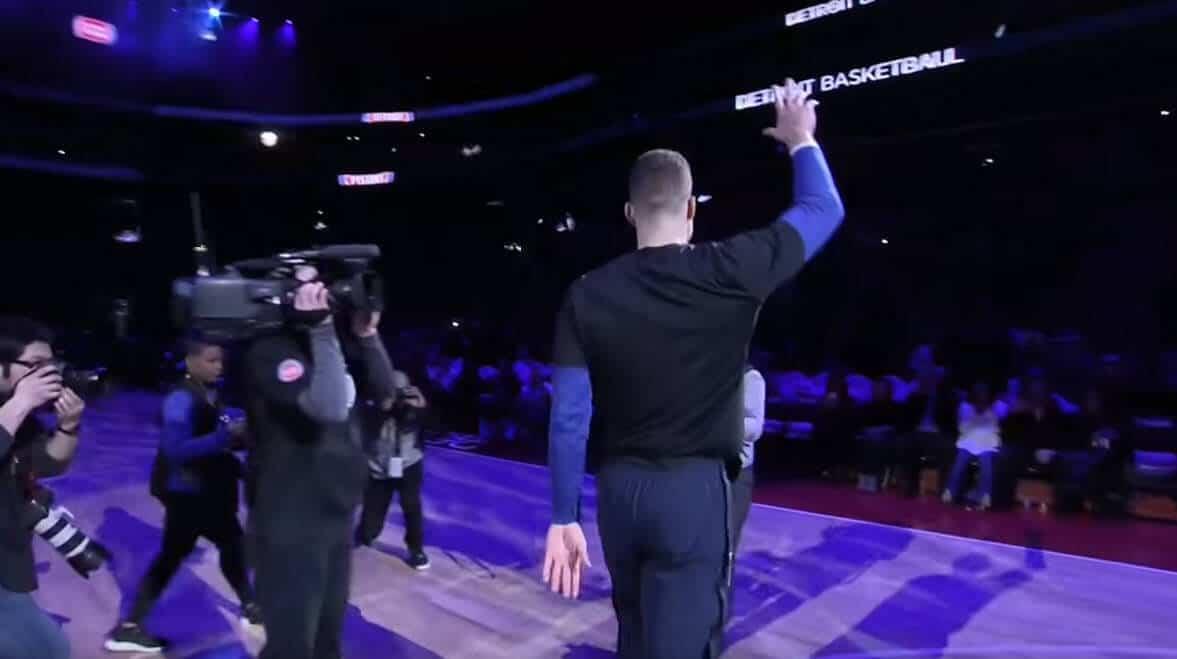 La belle intro des Pistons pour Blake Griffin