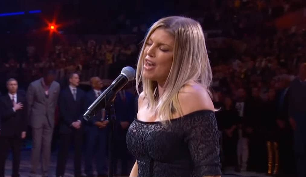 Fergie s'excuse pour son étrange interprétation de l'hymne national