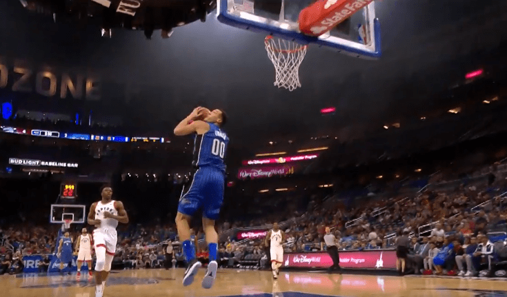Top 10 : Un 3-6 en plein match pour Aaron Gordon