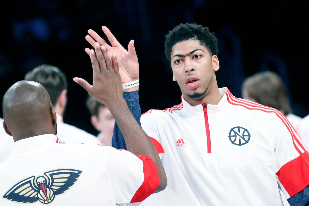 Le duo Anthony Davis – Jrue Holiday égale un record de Playoffs
