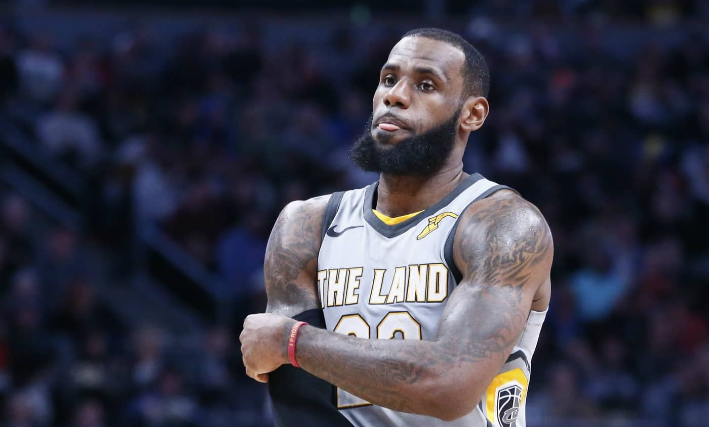 LeBron James a souffert contre Bojan Bogdanovic