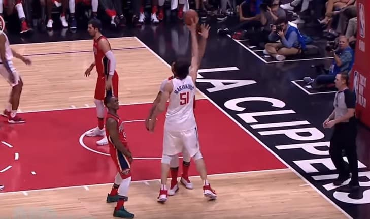 Chambrage : Quand Boban Marjanovic s'amuse avec Anthony Davis