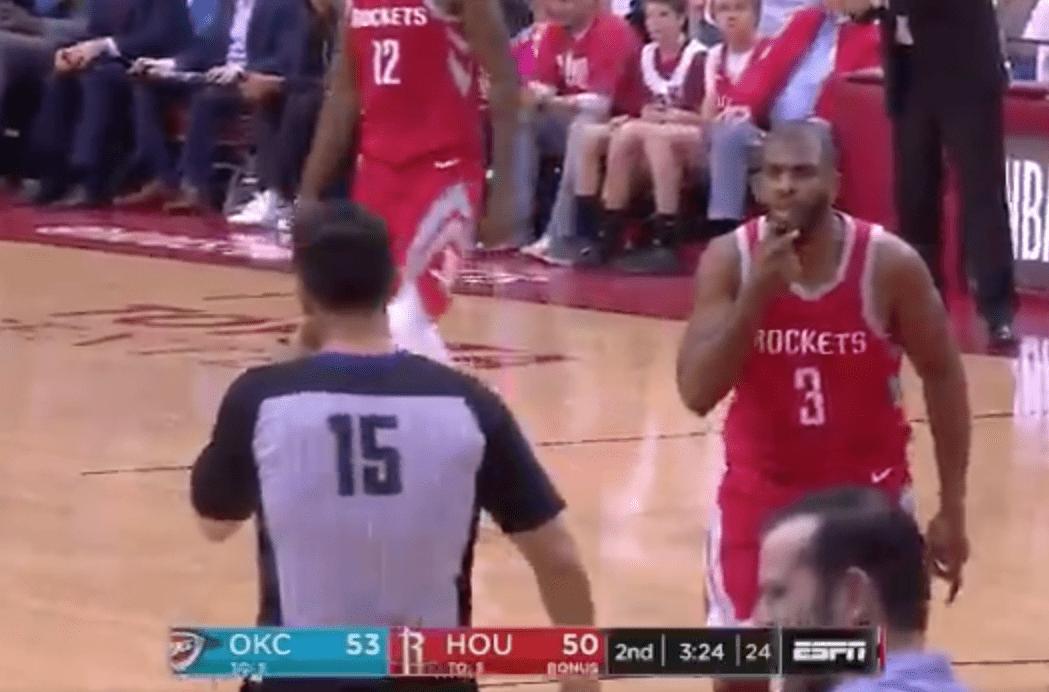 Chris Paul se fout de la gueule de l'arbitre… et prend une technique