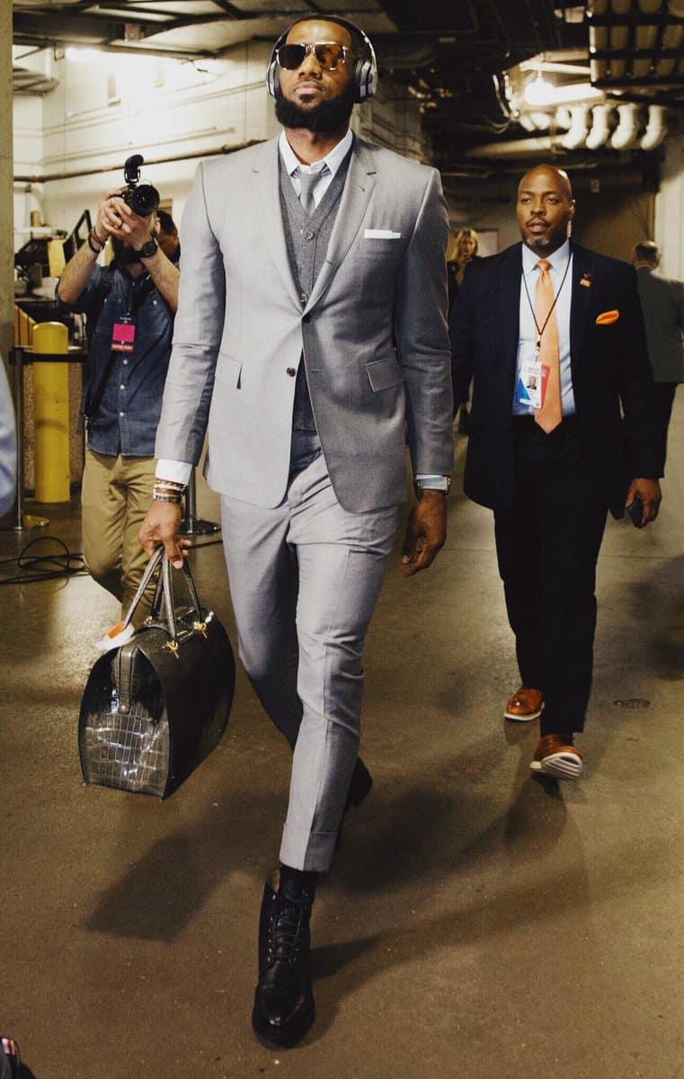 LeBron James a payé le même costume à tous ses coéquipiers