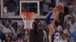 Top 10 : l'envolée d'Anthony Davis, le dunk décisif de Ben Simmons !