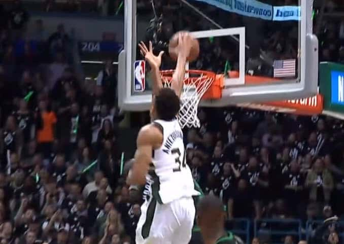 Le Greek Freak postérise Horford !