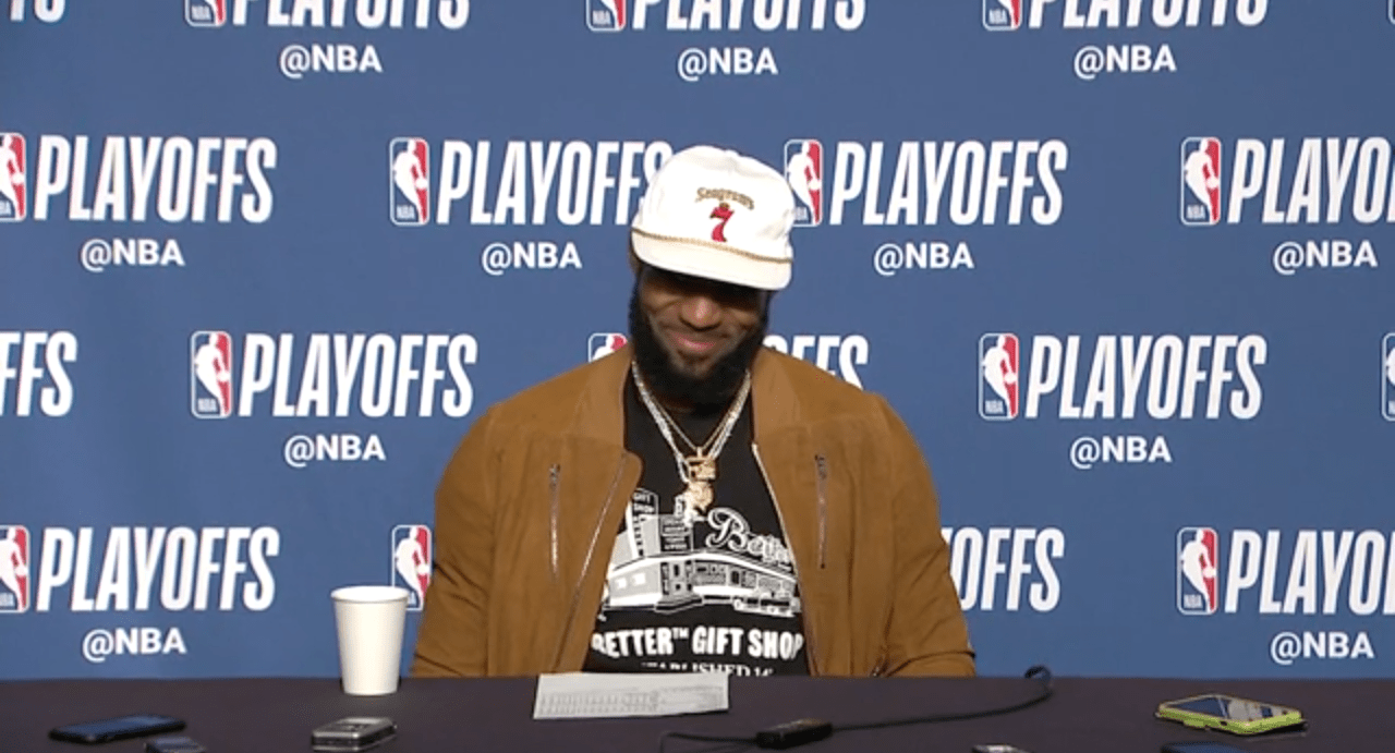 LeBron James sur son buzzer-beater : «Ne faites pas ça chez vous»