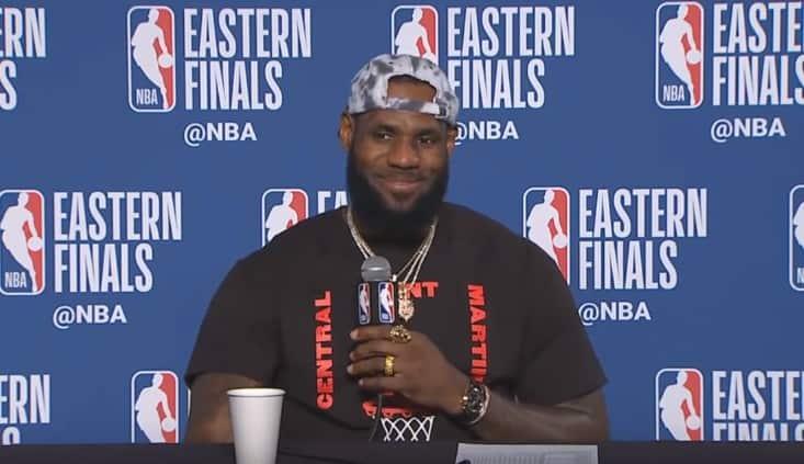 LeBron James s'est fait un nouvel ami en conférence de presse