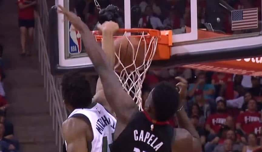 Donovan Mitchell claque un dunk fou contre les Rockets