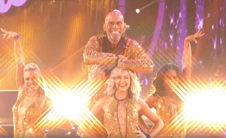 Classe : Kareem Abdul-Jabbar passe un tour dans Danse avec les Stars
