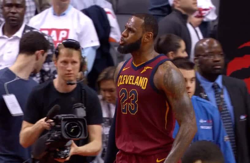Les Lakers veulent entourer LeBron de playmakers
