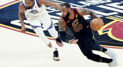 30 points en Playoffs : LeBron James a dépassé Michael Jordan