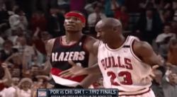 Il y a 26 ans, Michael Jordan écoeurait les Blazers en une mi-temps