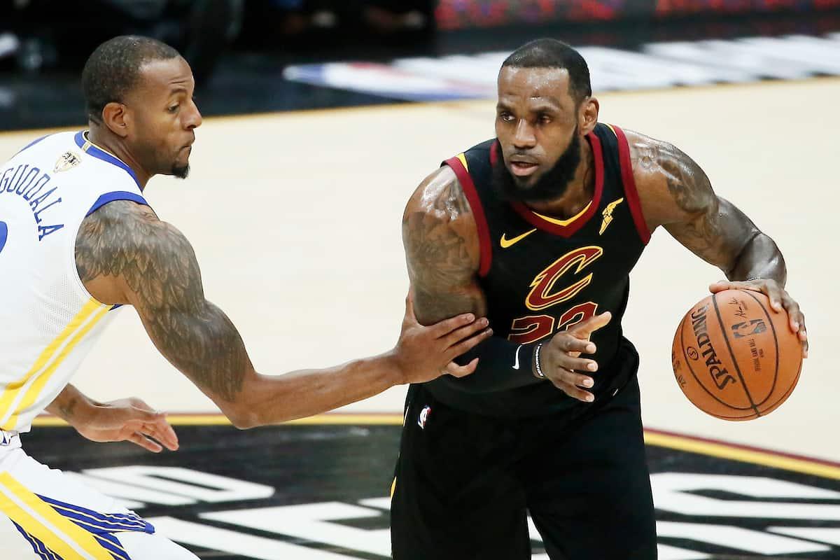 Les prix des places pour les Lakers grimpent en flèche avec LeBron !
