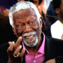 Bill Russell accepte sa bague du Hall of Fame, 44 ans après !