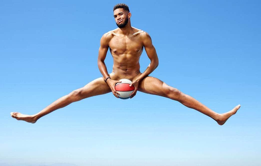 Karl-Anthony Towns se met à nu pour l'été