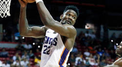 Deandre Ayton va faire son retour de suspension
