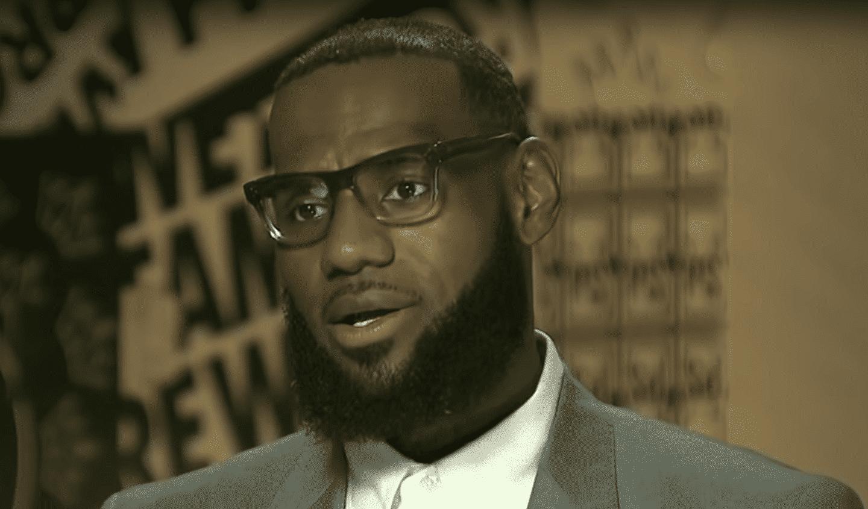 LeBron ne va pas «la fermer et dribbler», au contraire