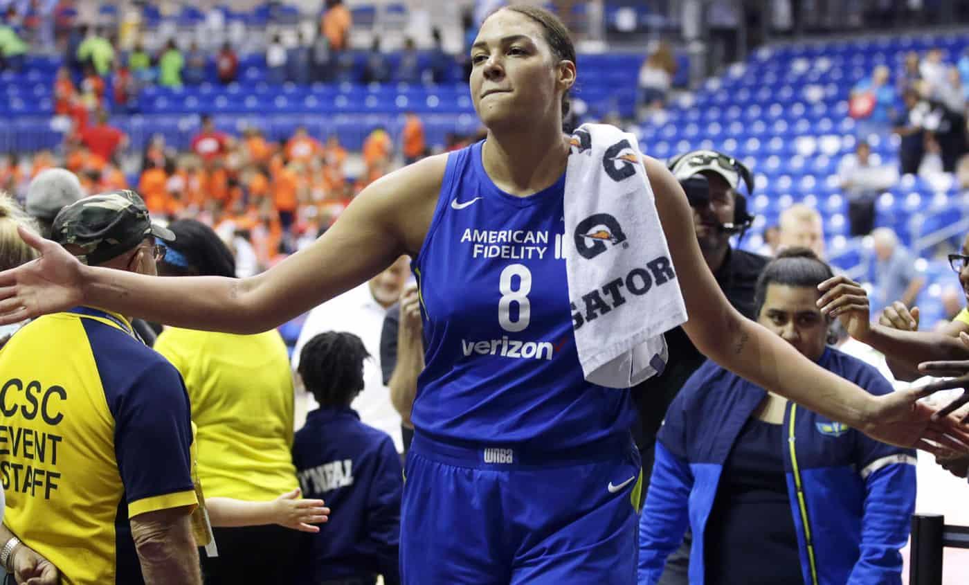 Liz Cambage établit un nouveau record WNBA en plantant 53 points !
