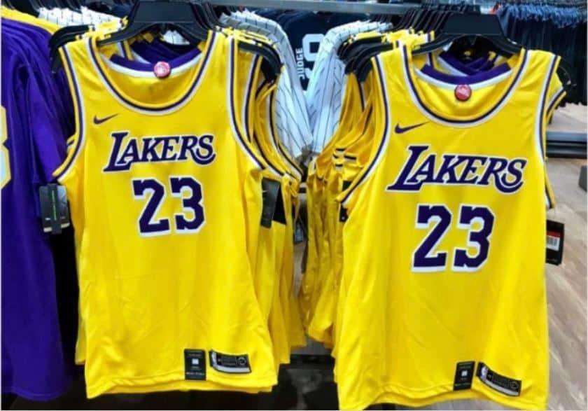 Le maillot des Lakers a fuité, LeBron James en mode Showtime