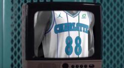 Les Hornets dévoilent leur maillot White Classic pour les 30 ans de l'équipe