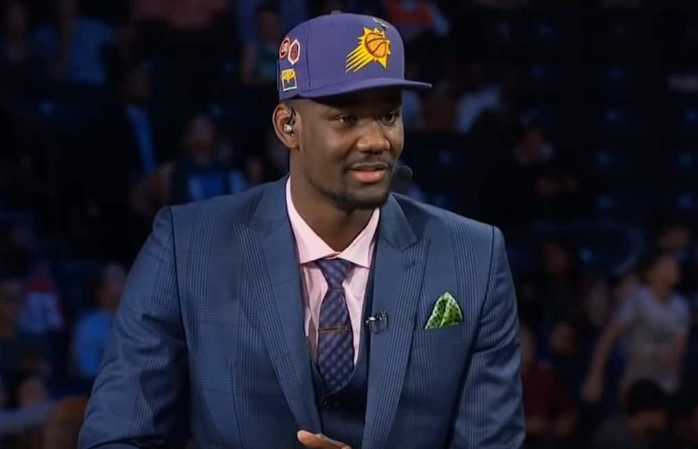 Deandre Ayton intimidé par «la Michael Jordan de WNBA»